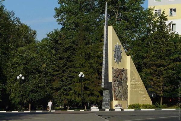 Тайна входной стелы парка Победы